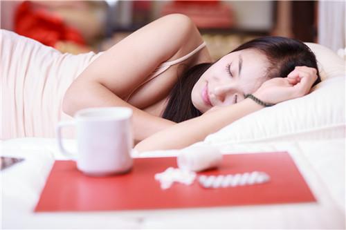 长期睡眠不足对身体有什么危害 专家说出十大影响 你还敢熬夜吗?