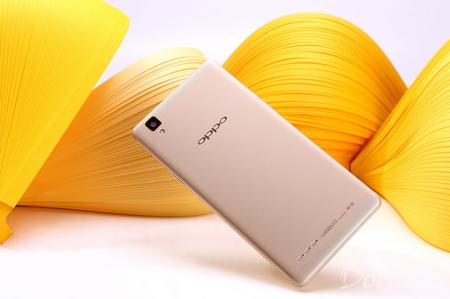OPPO A53图赏:钛镁铝合金材料外壳2.5D倾斜度屏