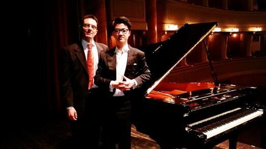 """""""大师来了""""携手著名钢琴家张海鸥打造高效学琴课程"""