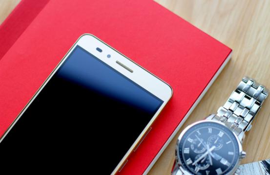 千元手机中最升值的手机上,荣耀畅玩5X测评