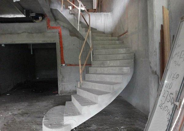 成都中柱旋转楼梯