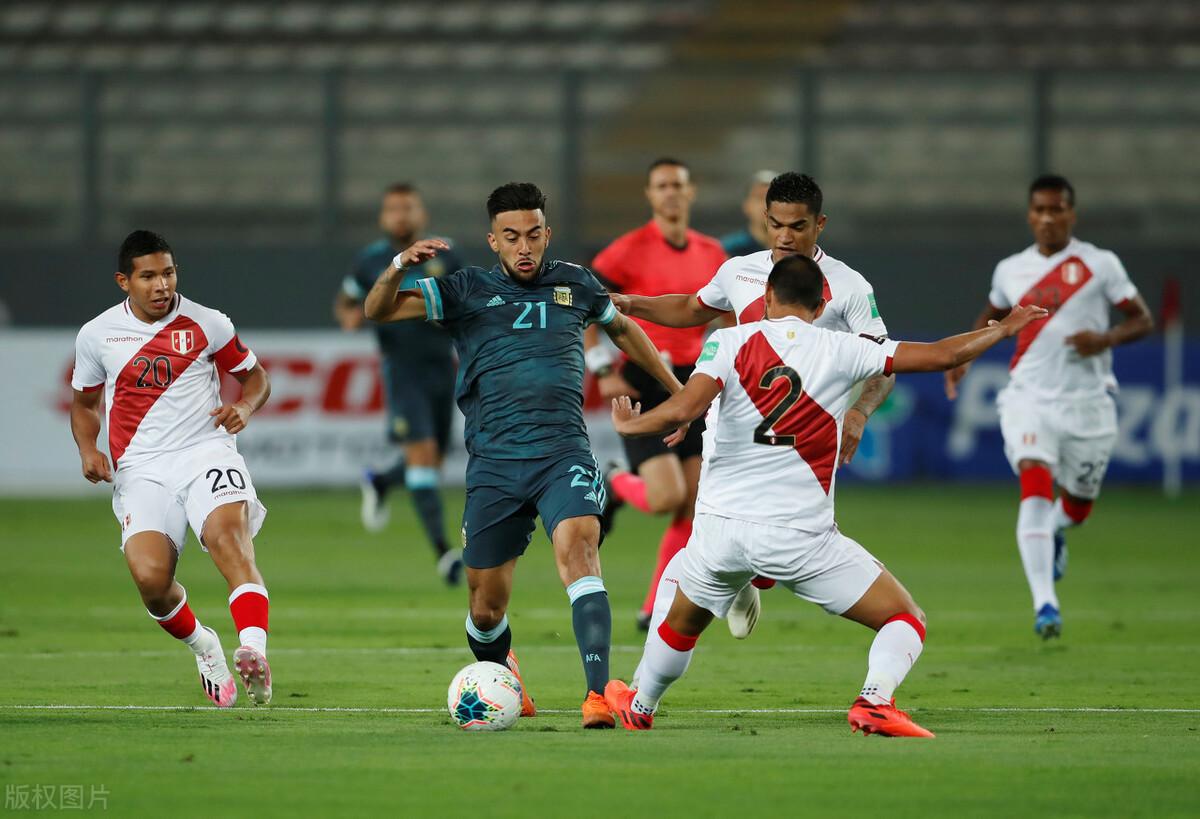 2-0,阿根廷紧追巴西!22岁天才秒变大腿,4场破门力压梅西