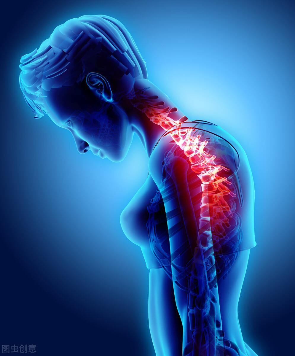 弯腰驼背有什么危害?一组拉伸运动改善自身体