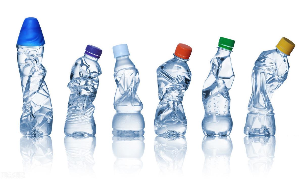 好消息!塑料吸管将年底禁用,人类粪便里已经检测到了塑料微粒