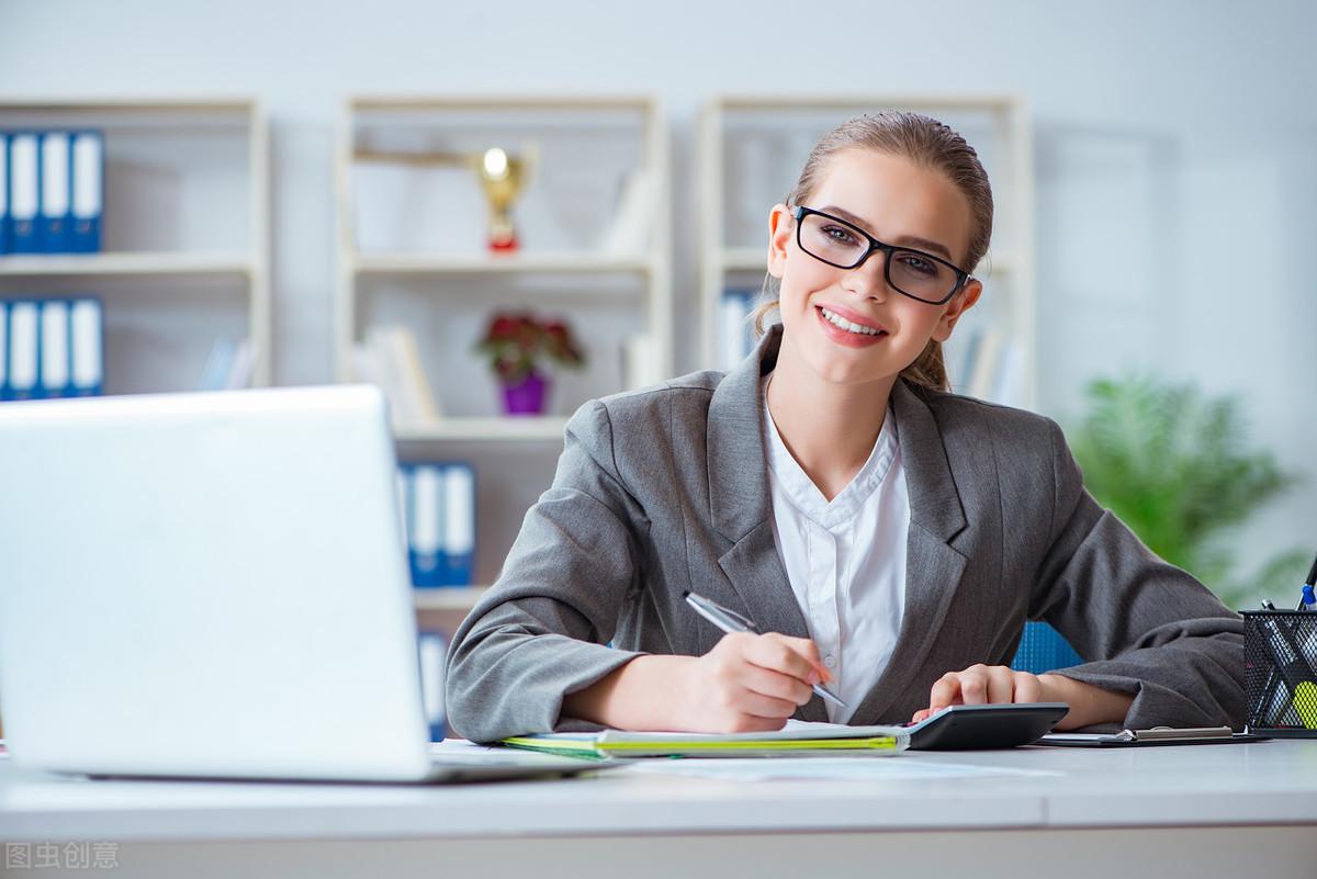 最适合女孩子的四大专业,稳定体面又高薪