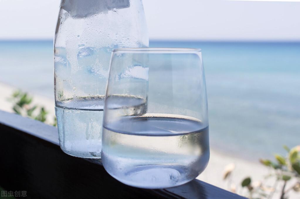 隔夜水还能喝吗?喝了会不会致癌?关于它的一些谣言有答案了