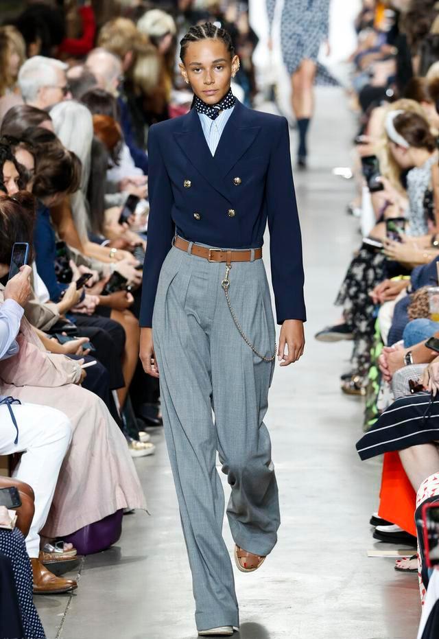 """适合秋季穿着的""""短西装"""",精干潇洒有气质,穿出优雅知性范"""