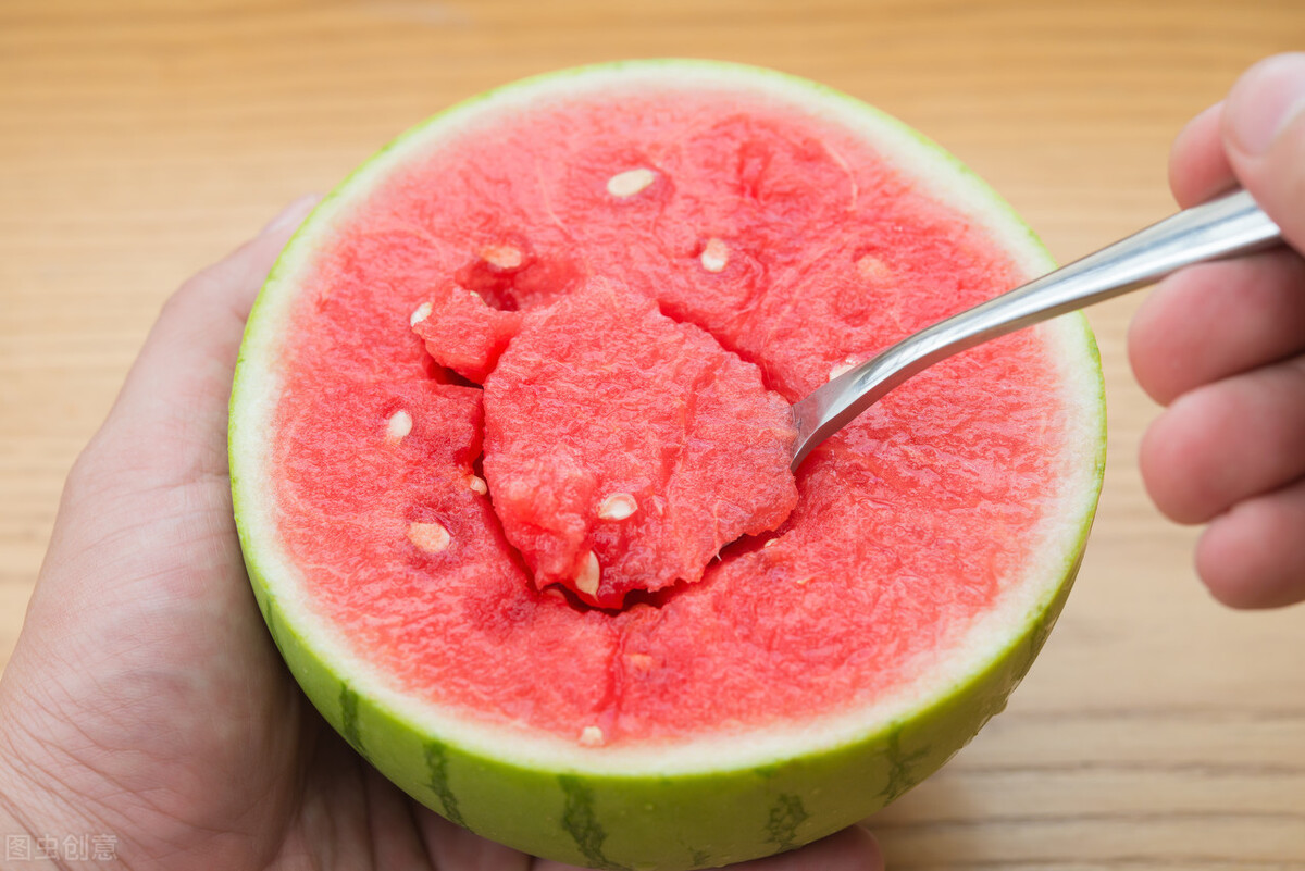 """身体油、湿气重,更要远离这三种水果,否则湿邪会更""""猖獗"""""""