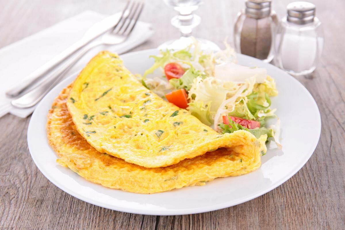 面粉里加几个鸡蛋,做出来的早餐又香又营养,全家都爱吃