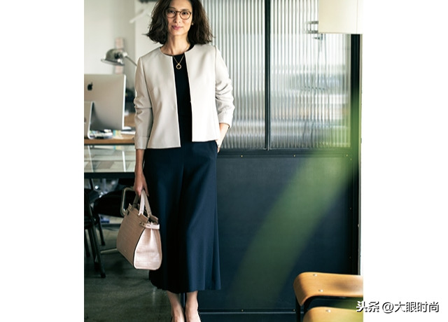 谁说女人40豆腐渣,秋天这样穿,你就是OL时髦女郎