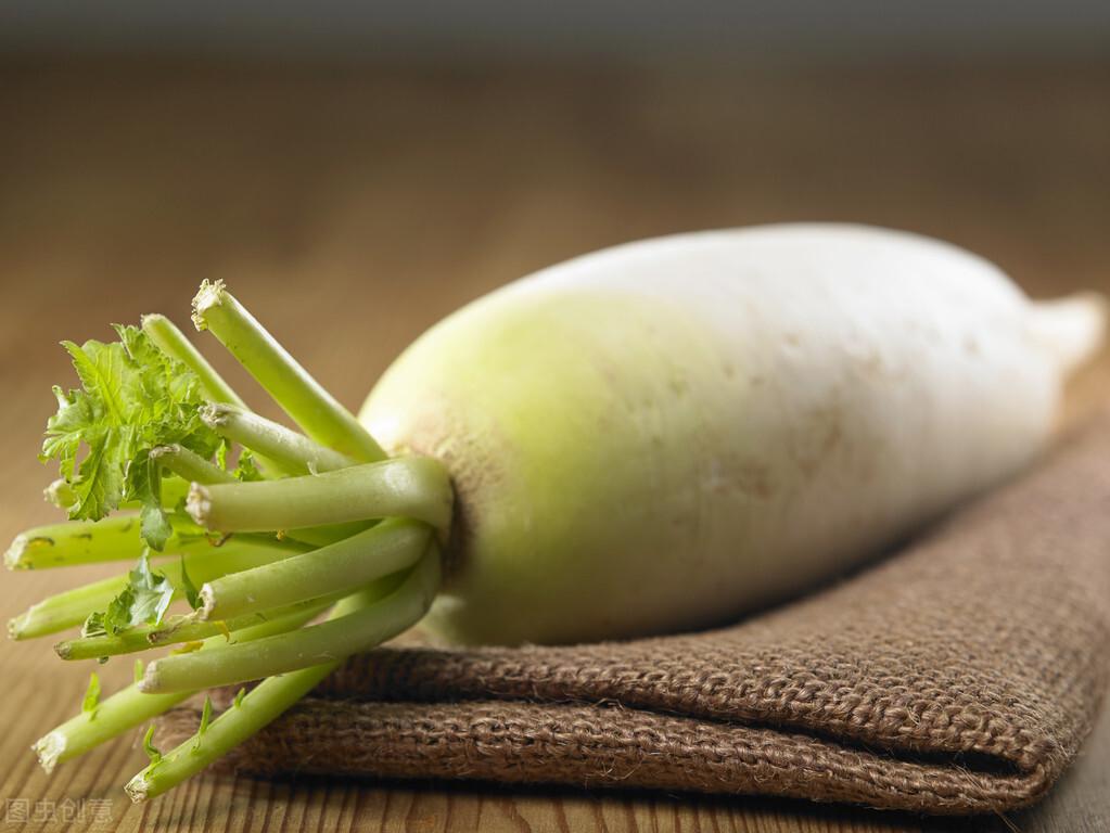 冬吃萝卜夏吃姜,那么春秋应该吃什么呢?