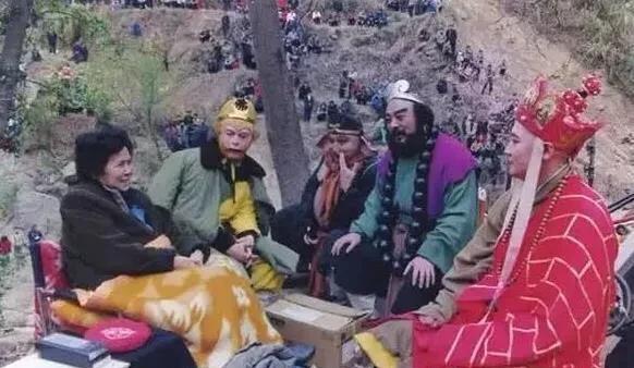 《西游记》骗了大家34年,原来龙宫是这么拍的,难怪成经典