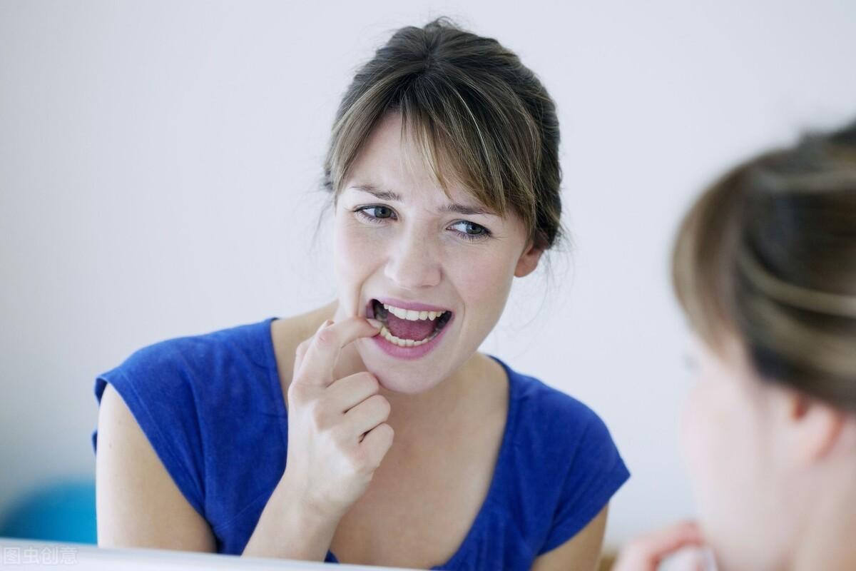 口腔溃疡反复发作很难受,坚持做好这4件事,远离它不再复发