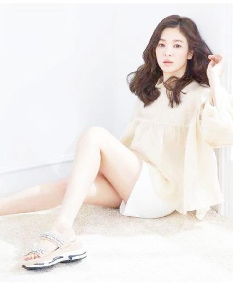 韩国举办素颜大赛,宋慧乔裴珠泫李妍熙上榜,裴秀智称王!
