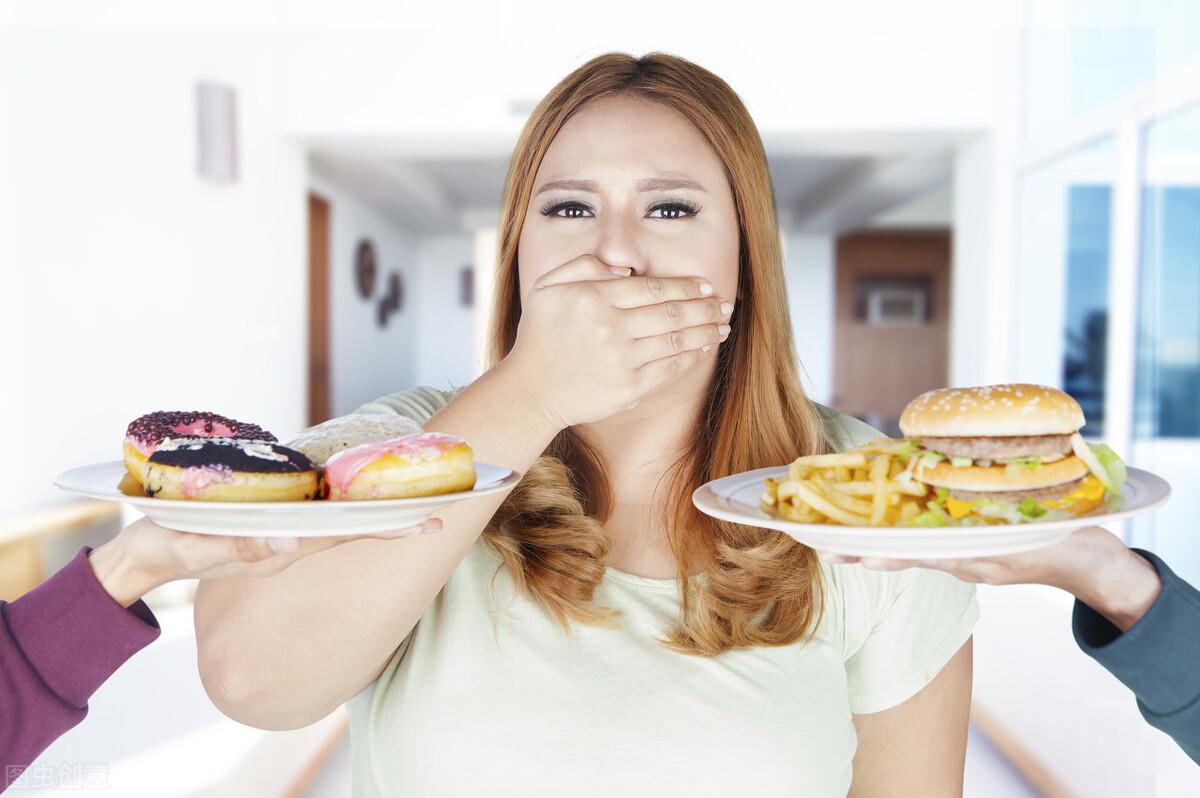 有大肚腩很难看很自卑?坚持做好4个好习惯,肚腩自然会消失
