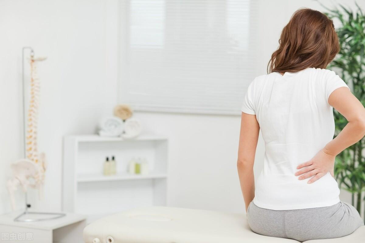 秋季中老年人腰椎间盘突出高发,这4个习惯要做好,预防是关键