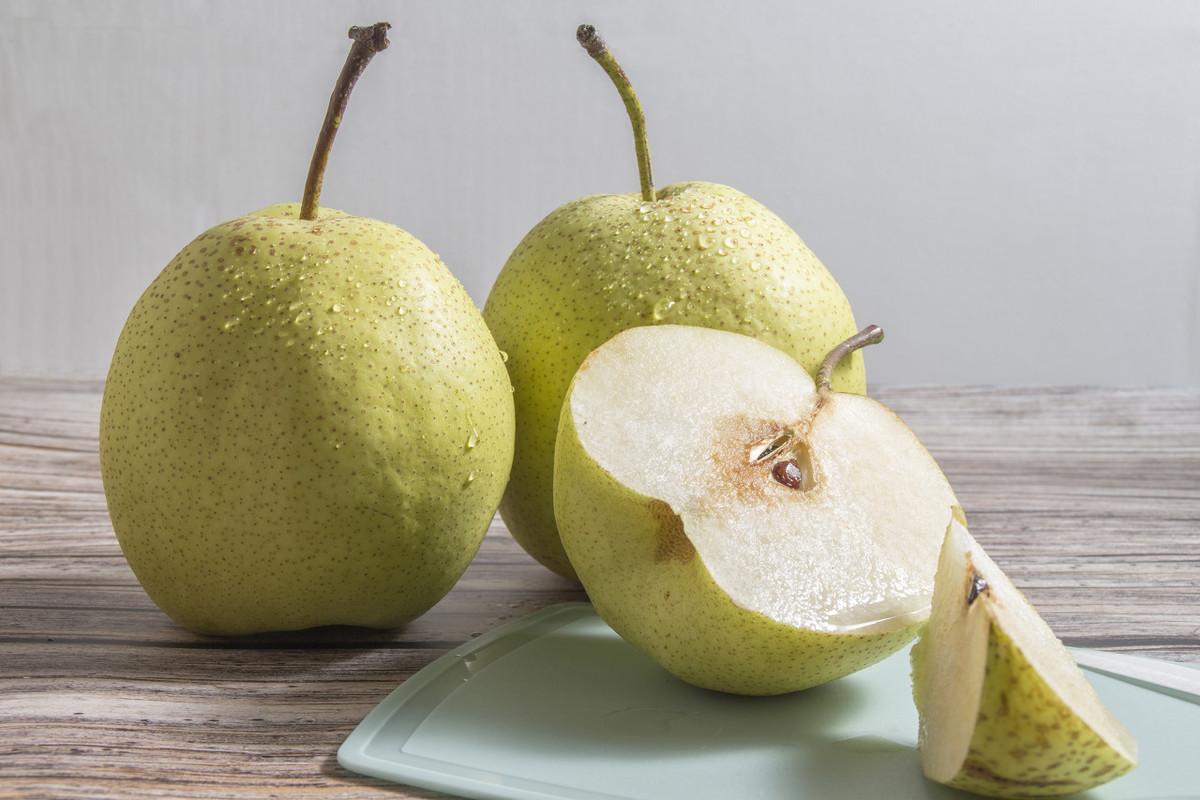 3种水果煮着吃,营养翻倍,还清肺护肠胃,男女老少不妨试试