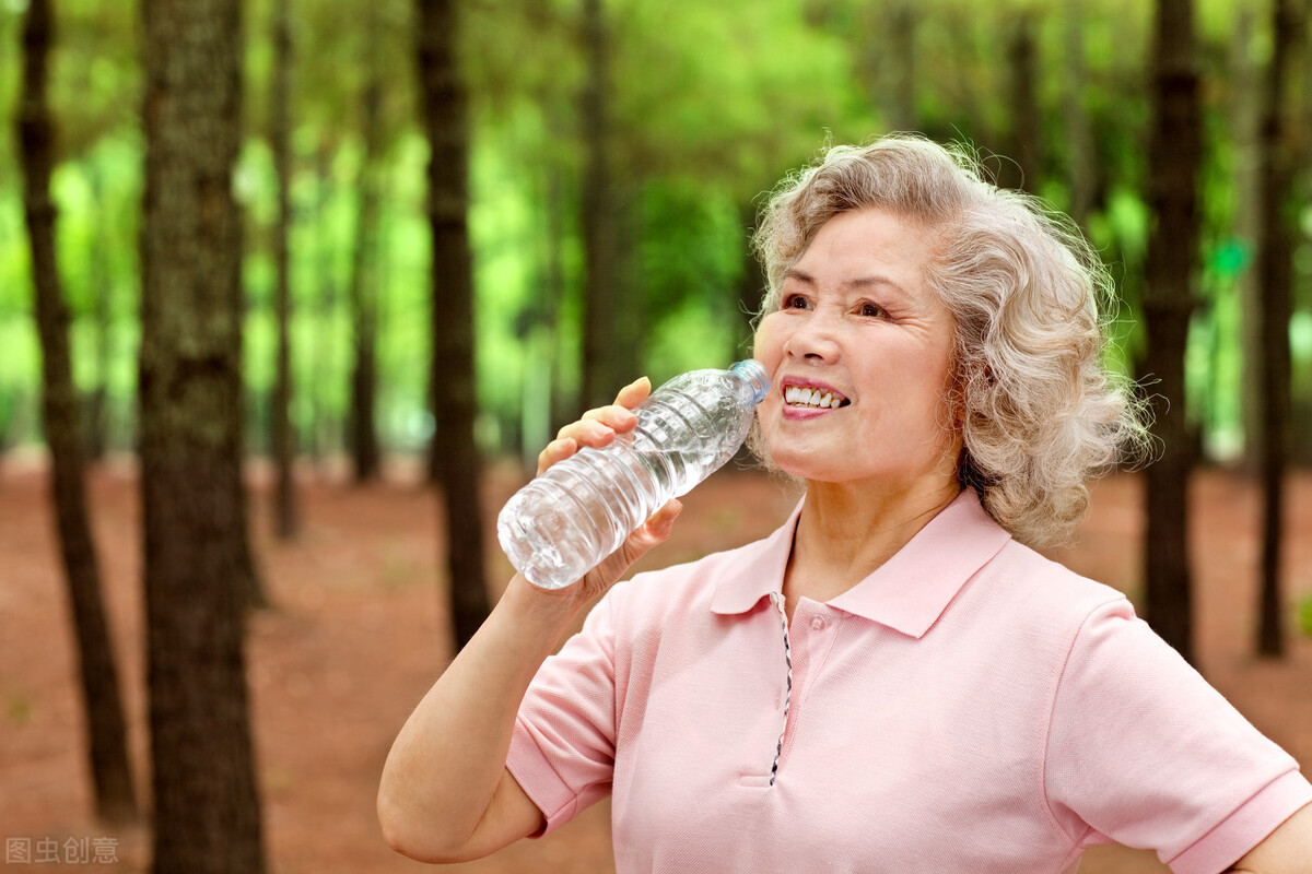 缺铁性贫血的老年人适合吃什么?