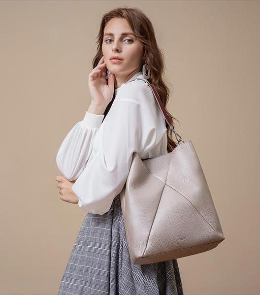 建议准备买包的女人:参考3个场景的4款包包,搭配起来时髦大气