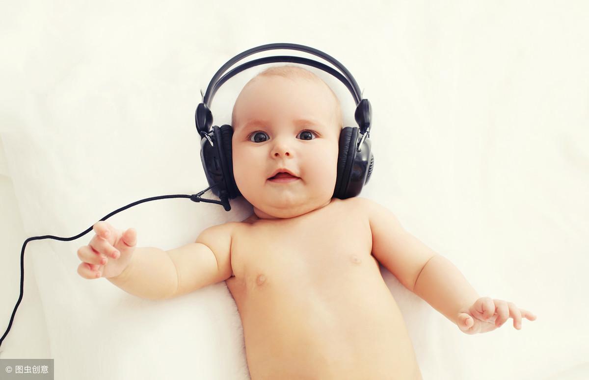 8个月宝宝智能发育标准:测试你的宝宝,做不到这些就是发育迟缓