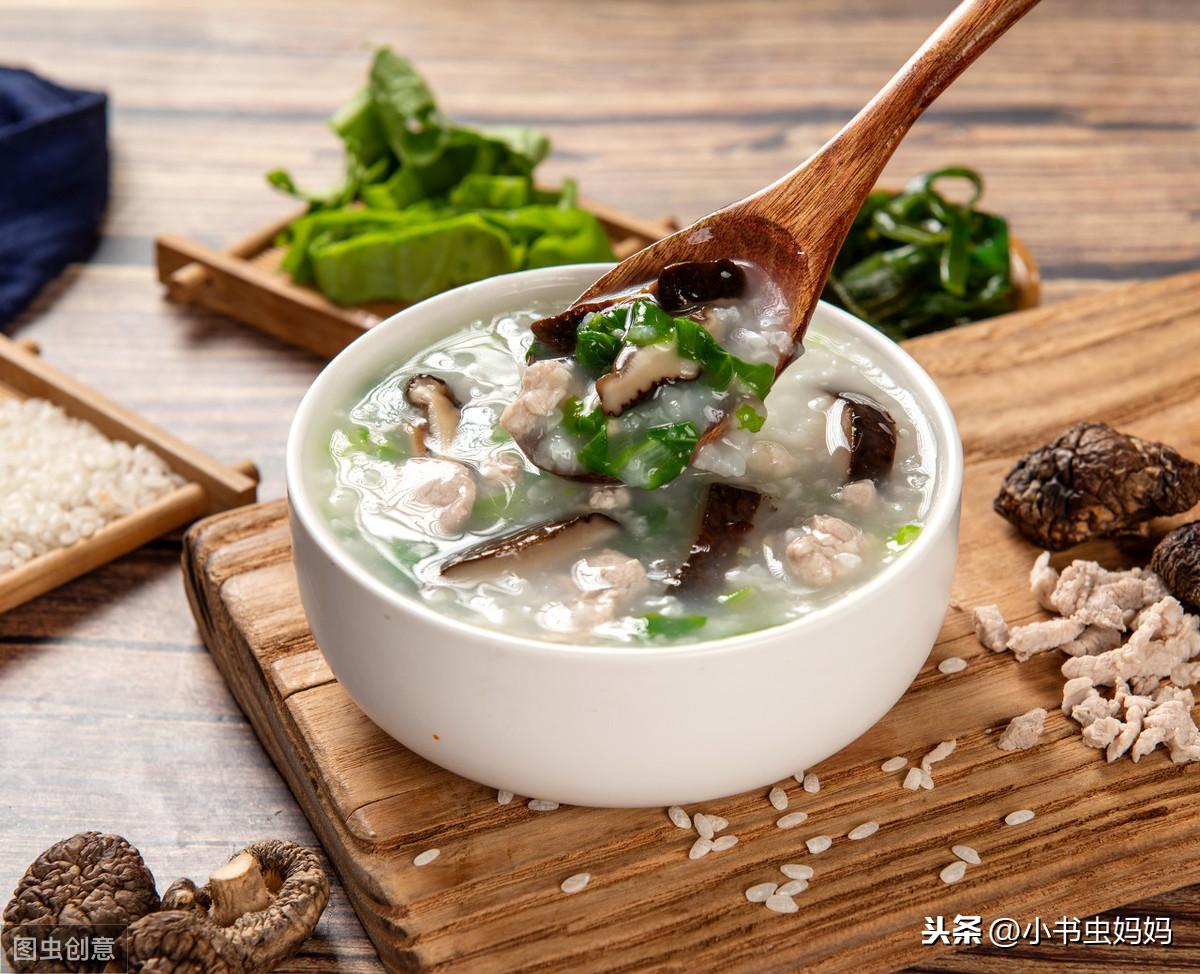 孩子早饭奈何样做好呢?试试做肉丝青菜燕麦粥,重大利便又营养丰硕