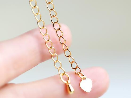 简单便宜的材料轻松DIY成能够在正式场合送人的精美手链