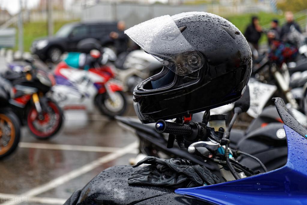 90%的电动车头盔不合格?太不拿老百姓的生命不当回事了吧