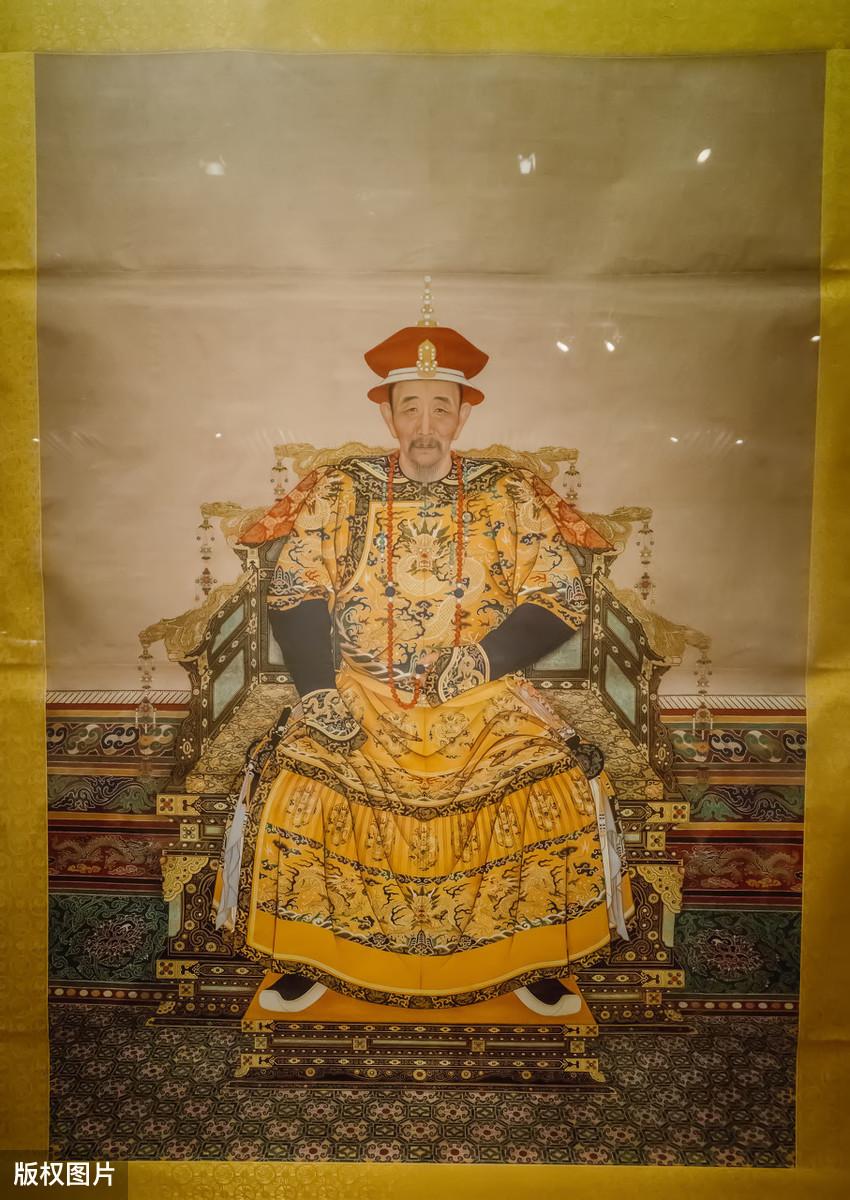 康熙皇帝到底长什么样?