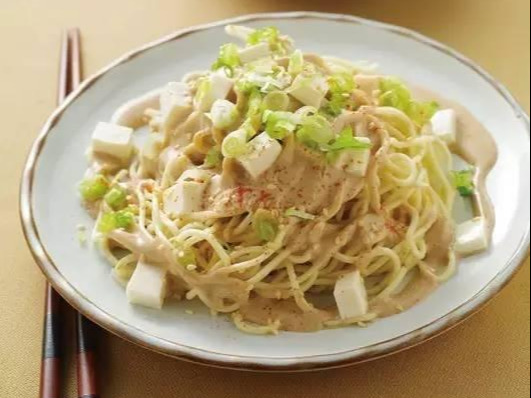 美食精选:酸菜鱼,芝麻豆腐凉面,虾皮老虎菜,芝麻羊肉的做法