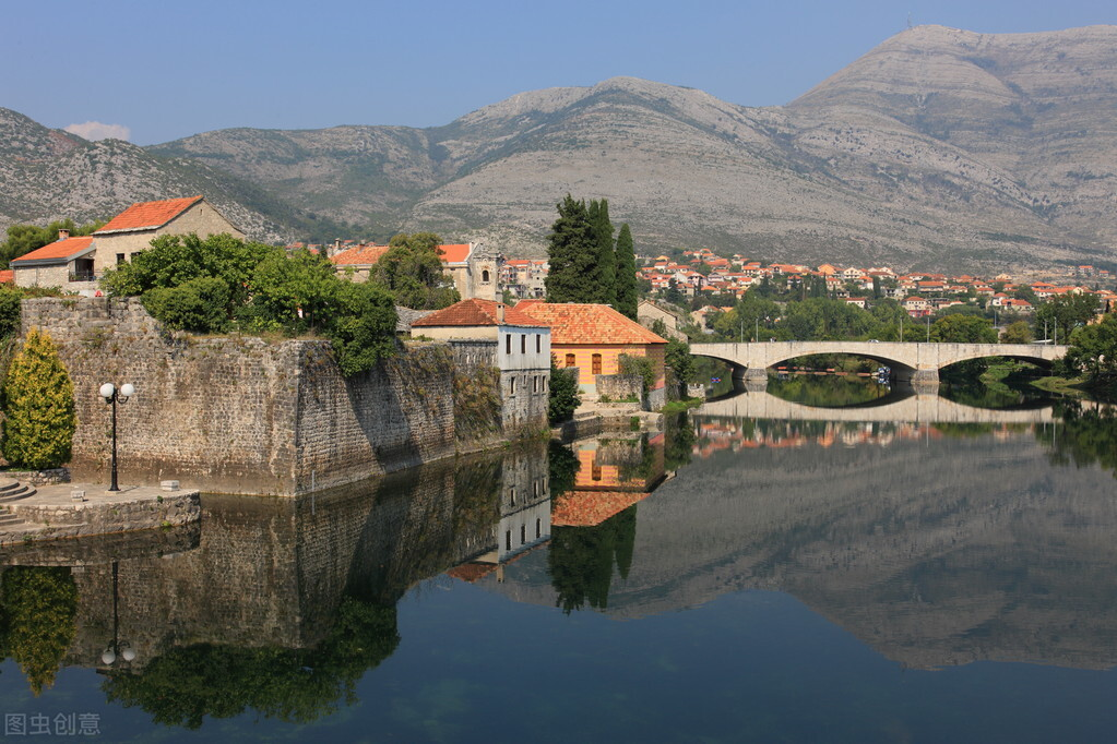 阿尔巴尼亚十二个方面的独特之处