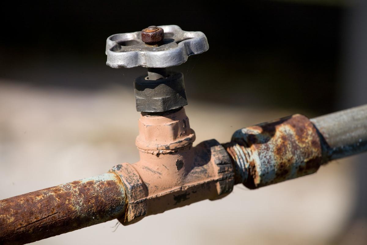 日常饮水哪种最好?净水机、小区净水、矿泉水、桶装水,怎么选?