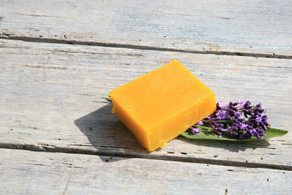 前列腺疾病导致的阴囊潮湿,使用硫磺皂可以缓解是真的吗?