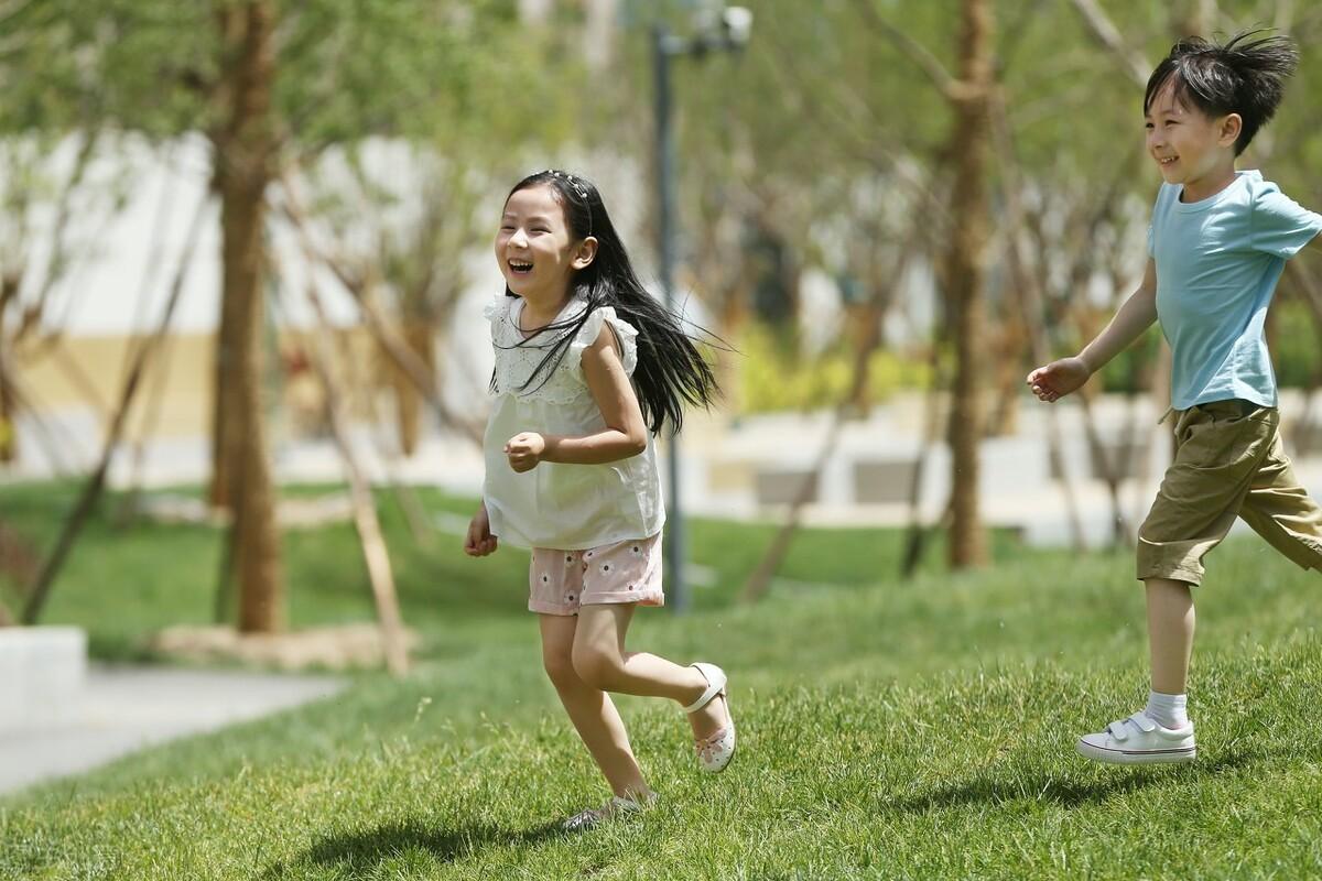 孩子经常觉得自己什么也不行?父母一个小改变就能解决