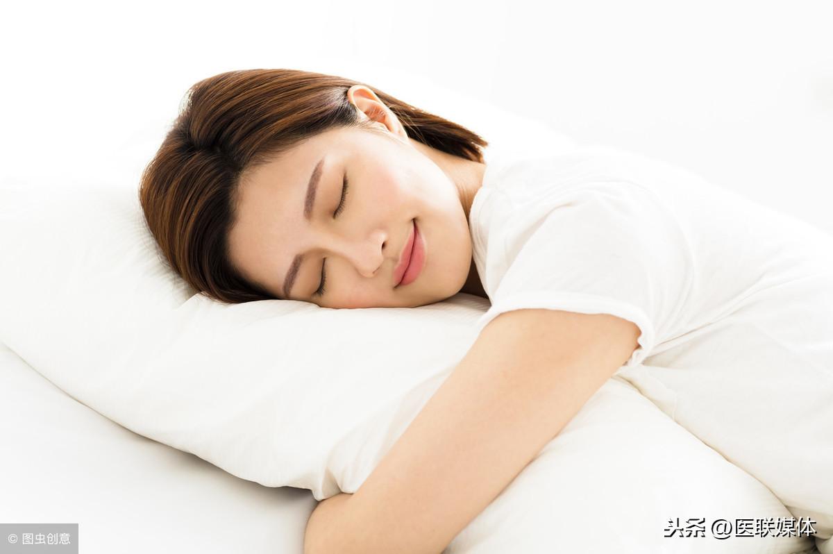 """晚上睡觉时口干舌燥?5个原因都有""""插手"""",要逐一排除"""