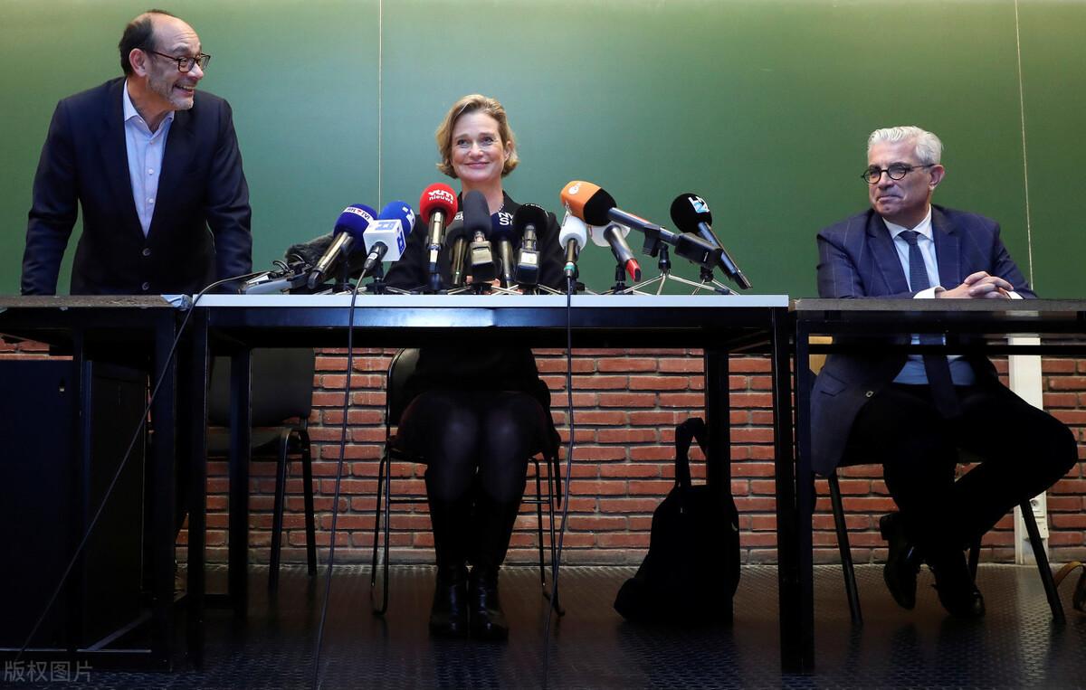 狗血!比利时前国王私生女召开新闻发布会,宣布获得公主头衔
