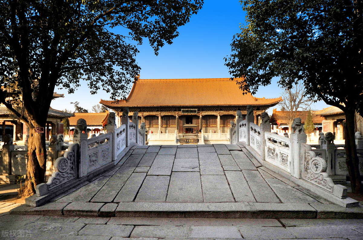 """陕西极有""""身份""""寺庙,百余位皇帝亲临到此,人称""""五岳第一庙"""""""