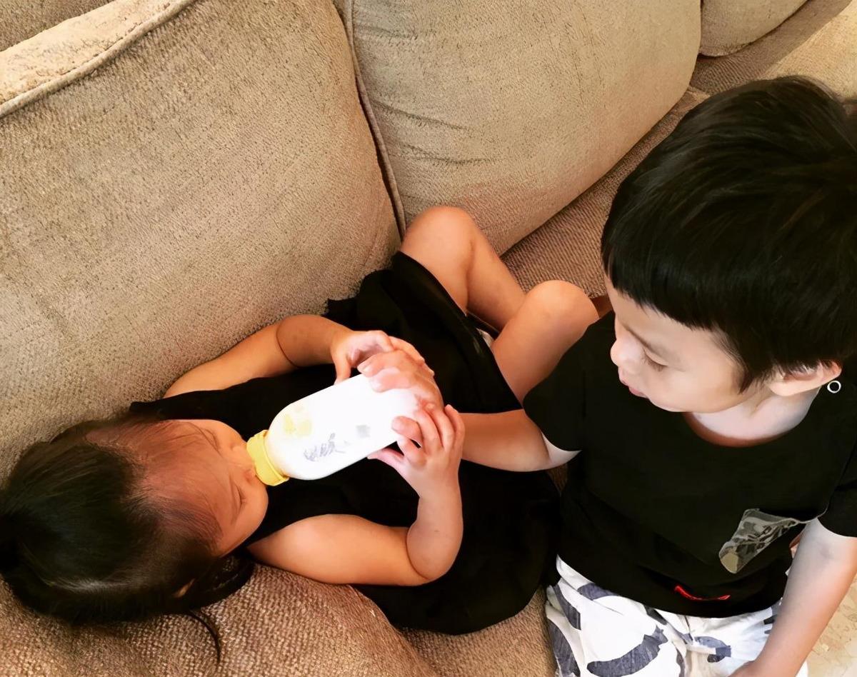 """葉一茜爆料森碟""""恨透""""弟弟:""""我也是個孩子,憑啥要比他懂事"""""""