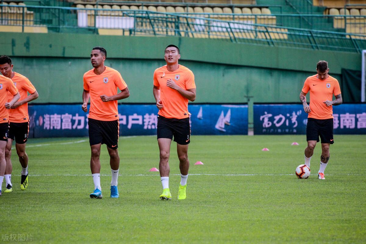 鲁能归化球员德尔加多晒照,期盼能够早日回归球队