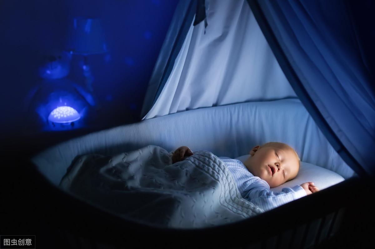 """宝宝一放下就醒?了解了这7个原因,轻松搞定宝宝""""落地醒""""问题"""