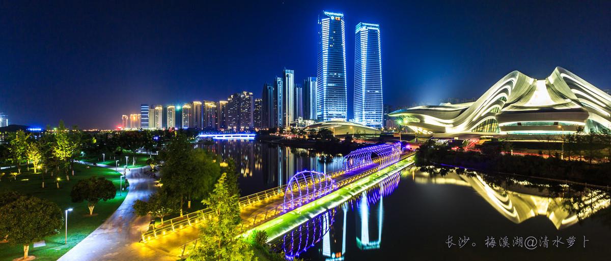 湖河南省最好是的15所高校,在其中四孰知名高校在全国性排位赛让人注意