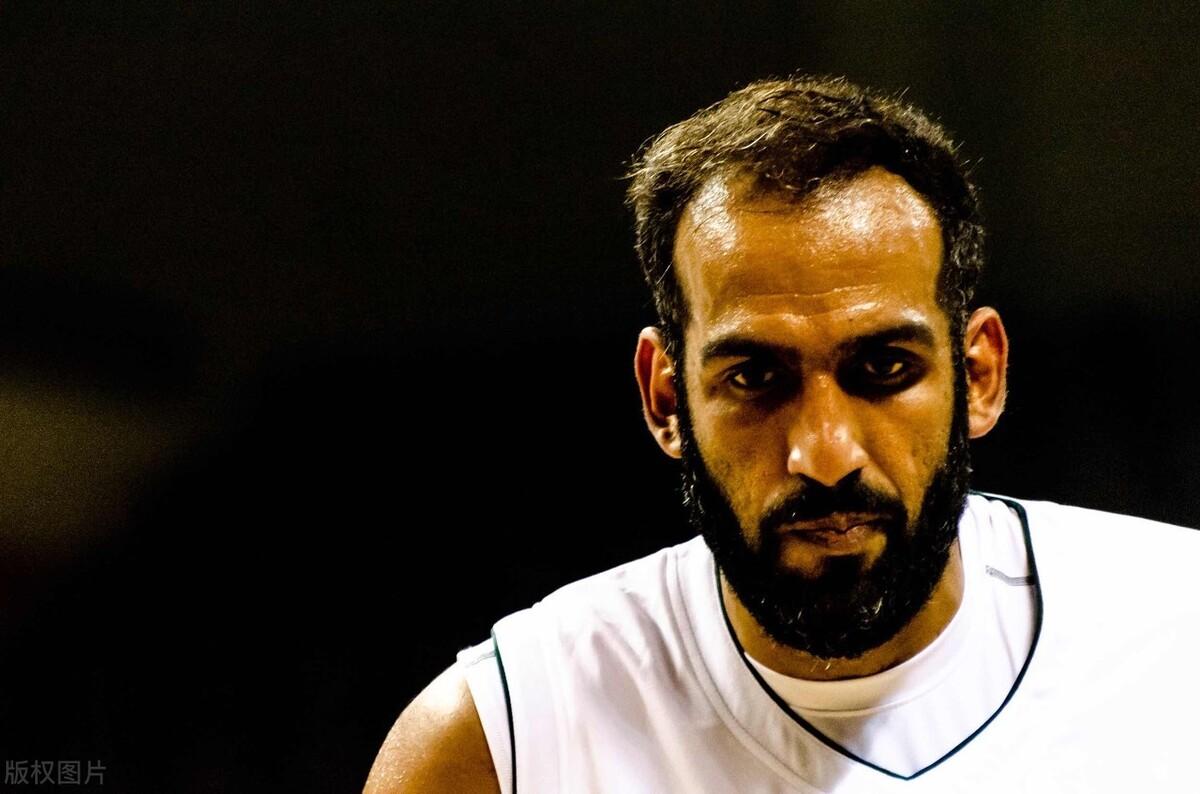 哈达迪超级三双创纪录,35岁越老越妖,打爆一众男篮内线