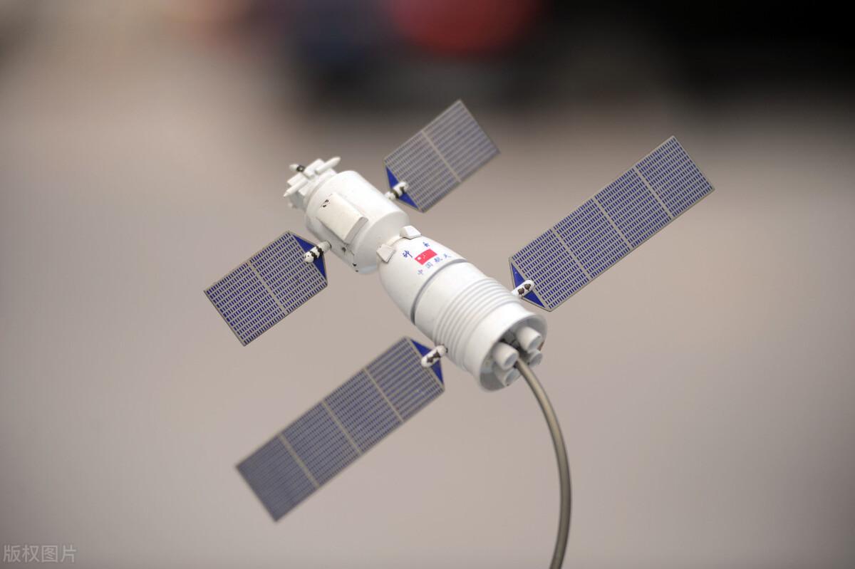 嫦娥五号返回舱内蒙着陆时,砸到人后,怎么处理?