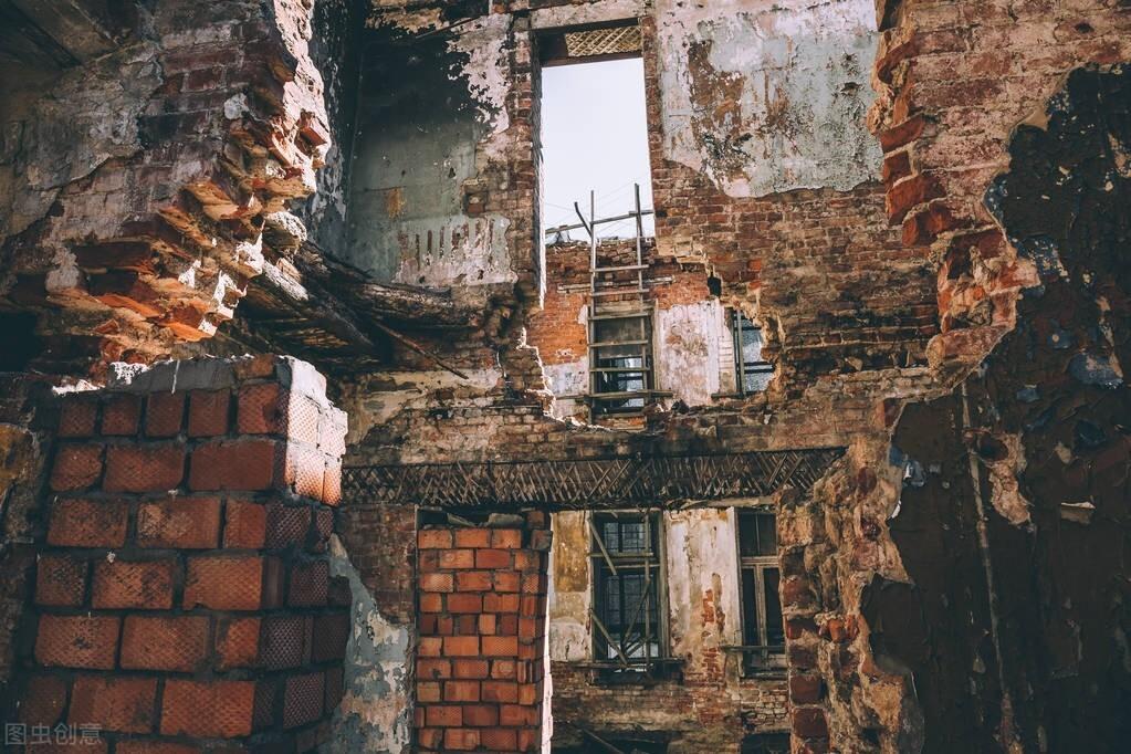 """7层小楼被强制拆除,当事人:划地盖房迁户口,不算""""村民""""吗?"""