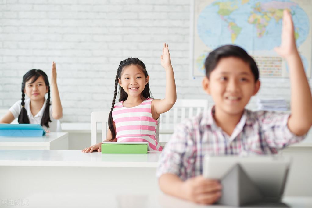 班主任:做到这两点,班级管理轻松有序——严管厚爱,和善而坚定