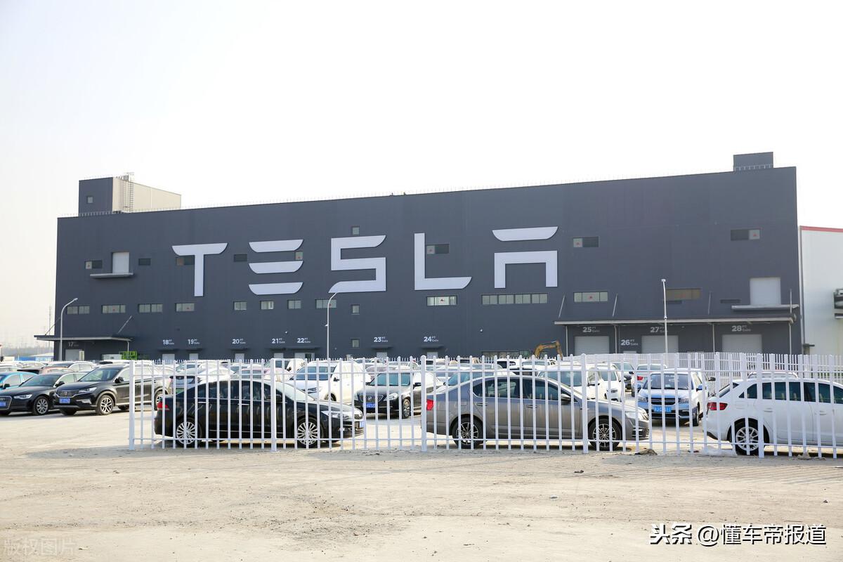 资讯|马斯克:当电池能量密度提升50%,电动飞机也将实现