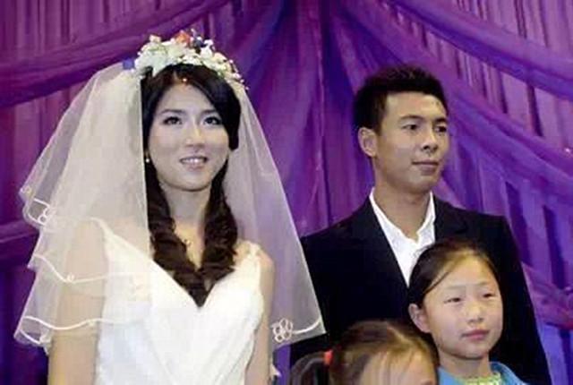 看看国足球员谁最花心,这两人都结过三次婚