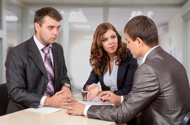 """如何在谈判时利益最大化?心理学专家:你得懂得使用""""蚕食策略"""""""
