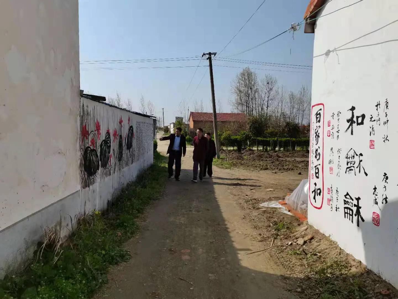 《乡镇论坛》主编黄晓林考察参观高楼村