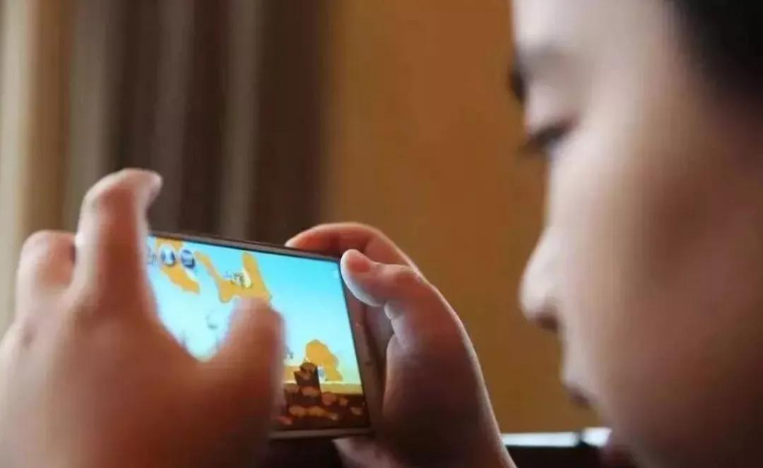 暑假托管班会否成手机游戏集训营?