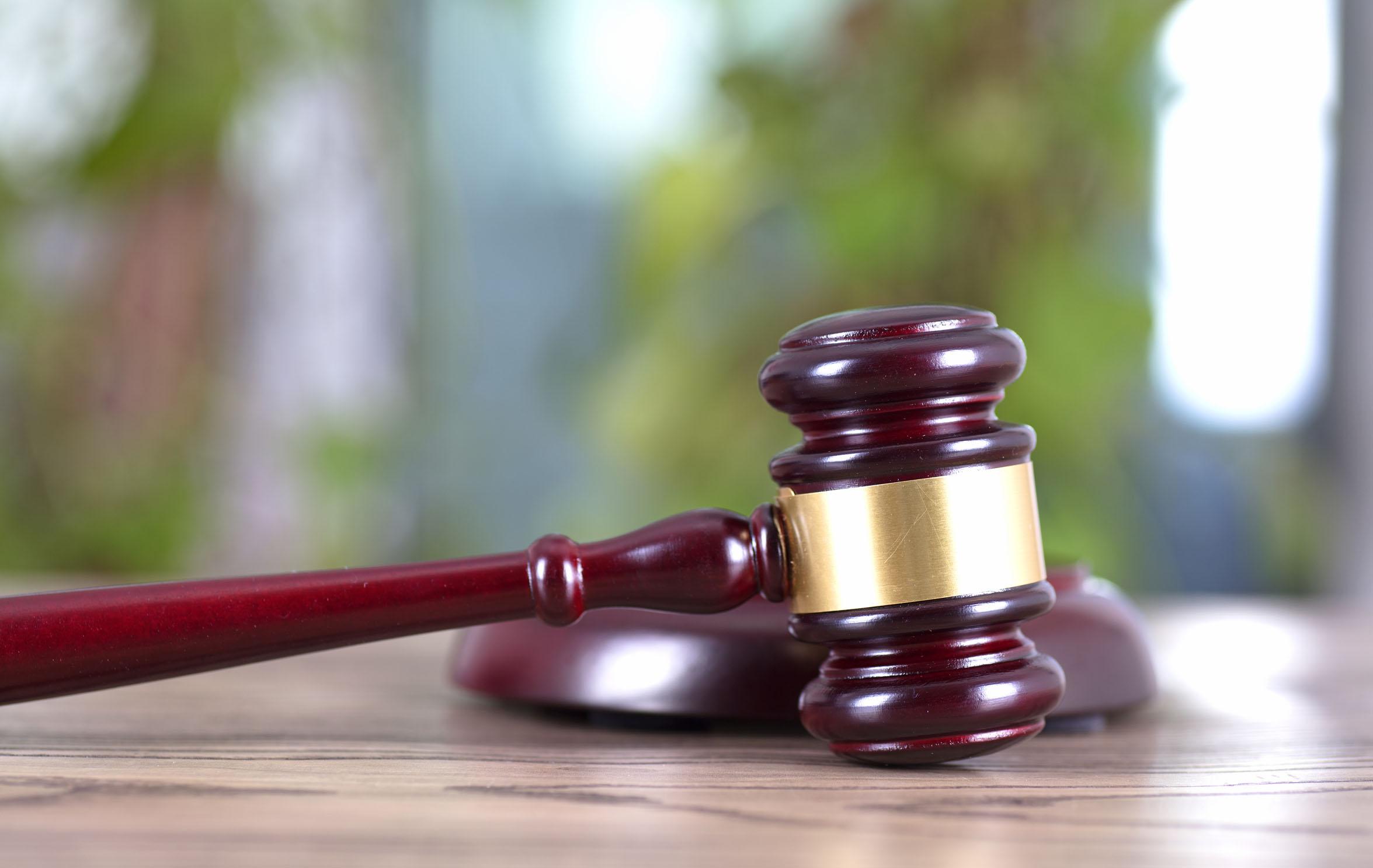 药品行政处罚实施中如何适用免责条款